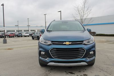 2020 Chevrolet Trax AWD 4dr Premier SUV - Click to see full-size photo viewer