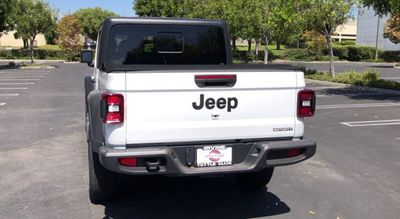 2020 Jeep Gladiator Sport S 4x4 - Click to see full-size photo viewer