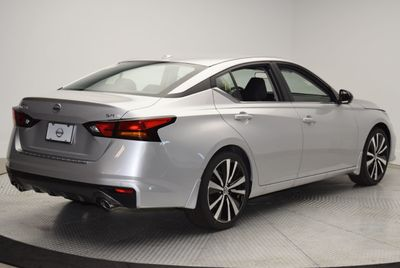 2020 Nissan Altima 2.5 SR Sedan - Click to see full-size photo viewer