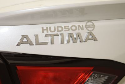 2020 Nissan Altima 4DR SDN 2.5 SR AWD Sedan - Click to see full-size photo viewer