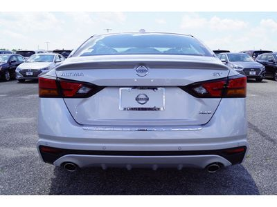 2020 Nissan Altima 4DR SDN 2.5 SV AWD - Click to see full-size photo viewer