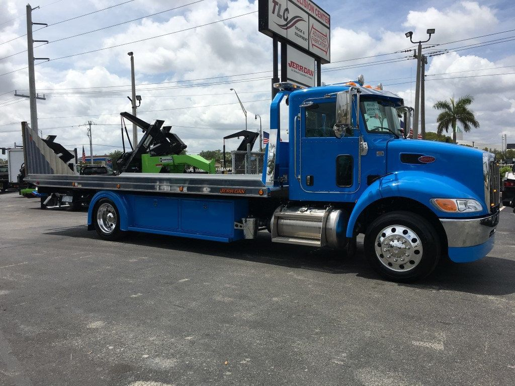 2020 Peterbilt 337 StepSide Classic 337..AIR BRAKE.AIR RIDE.22NGAF6T-LPW - 17505480 - 9