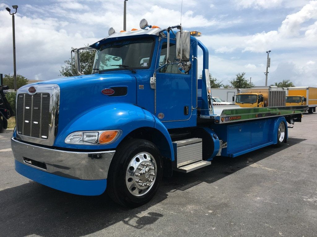2020 Peterbilt 337 StepSide Classic 337..AIR BRAKE.AIR RIDE.22NGAF6T-LPW - 17505480 - 10
