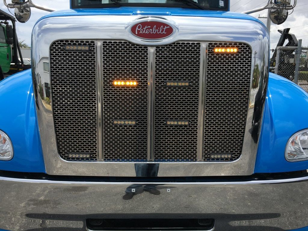 2020 Peterbilt 337 StepSide Classic 337..AIR BRAKE.AIR RIDE.22NGAF6T-LPW - 17505480 - 27