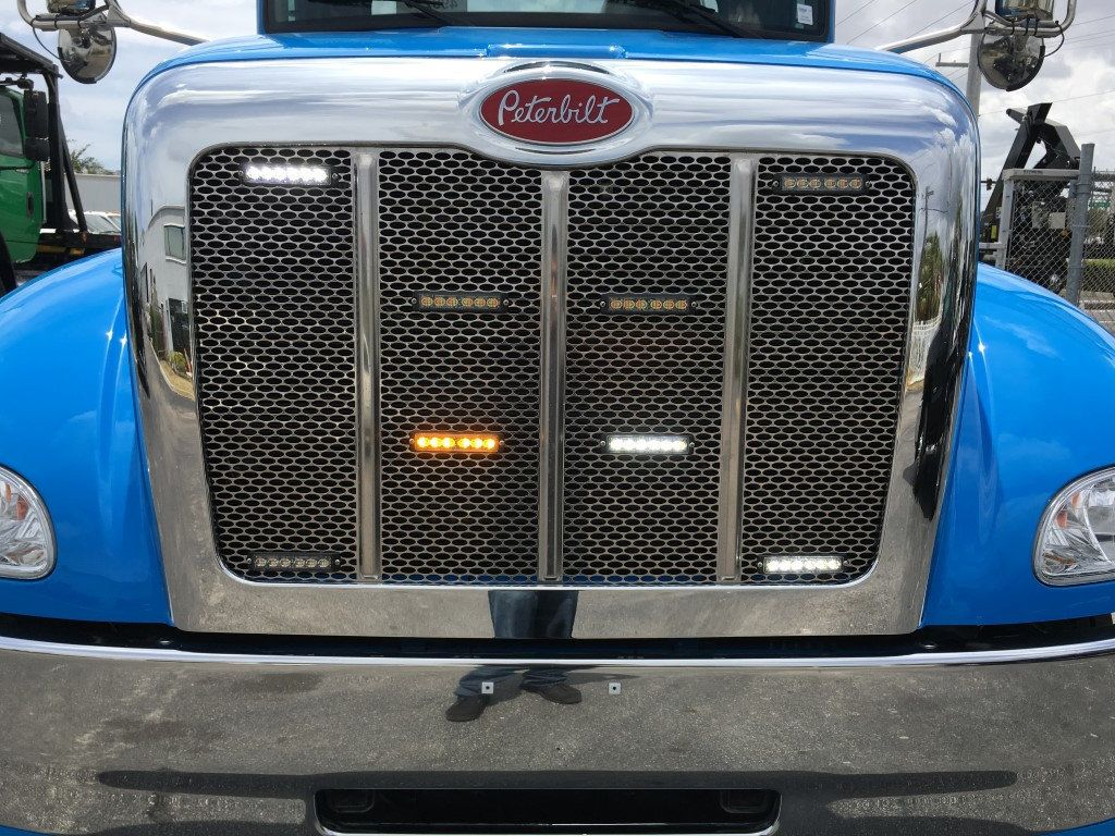 2020 Peterbilt 337 StepSide Classic 337..AIR BRAKE.AIR RIDE.22NGAF6T-LPW - 17505480 - 28