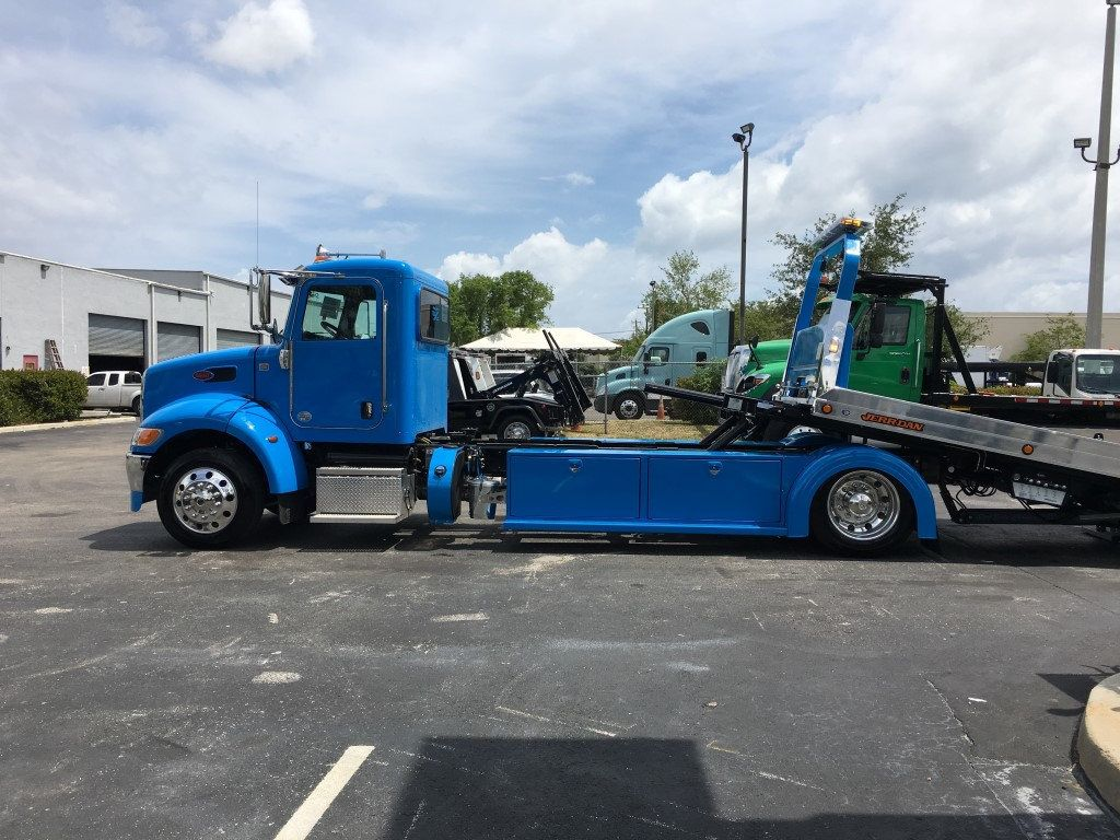 2020 Peterbilt 337 StepSide Classic 337..AIR BRAKE.AIR RIDE.22NGAF6T-LPW - 17505480 - 39