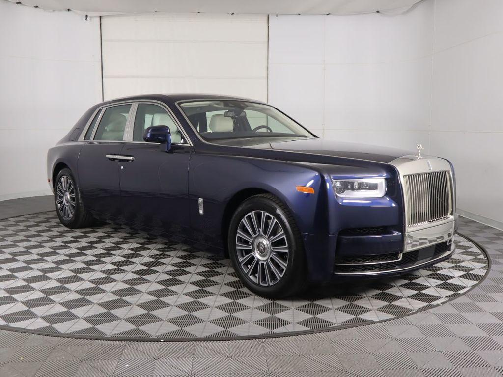 2020 New Rolls-Royce Phantom Sedan at PenskeLuxury.com ...