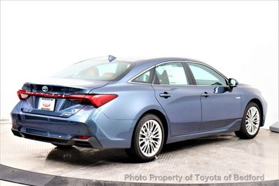 2020 Toyota Avalon Hybrid Limited Sedan - Click to see full-size photo viewer