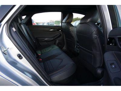 2020 Toyota Avalon Hybrid XSE Sedan - Click to see full-size photo viewer
