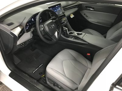 2020 Toyota Avalon XLE Sedan - Click to see full-size photo viewer
