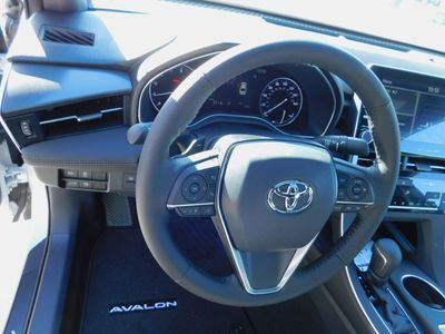 2020 Toyota Avalon XSE Sedan - Click to see full-size photo viewer