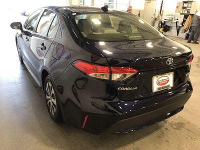 2020 Toyota Corolla Hybrid LE CVT Sedan - Click to see full-size photo viewer