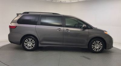 2020 Toyota Sienna XLE FWD 8-Passenger Van - Click to see full-size photo viewer