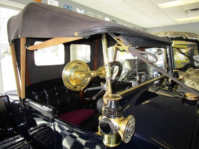 1913 Hupmobile Model 32 Roadster - 15110916 - 11