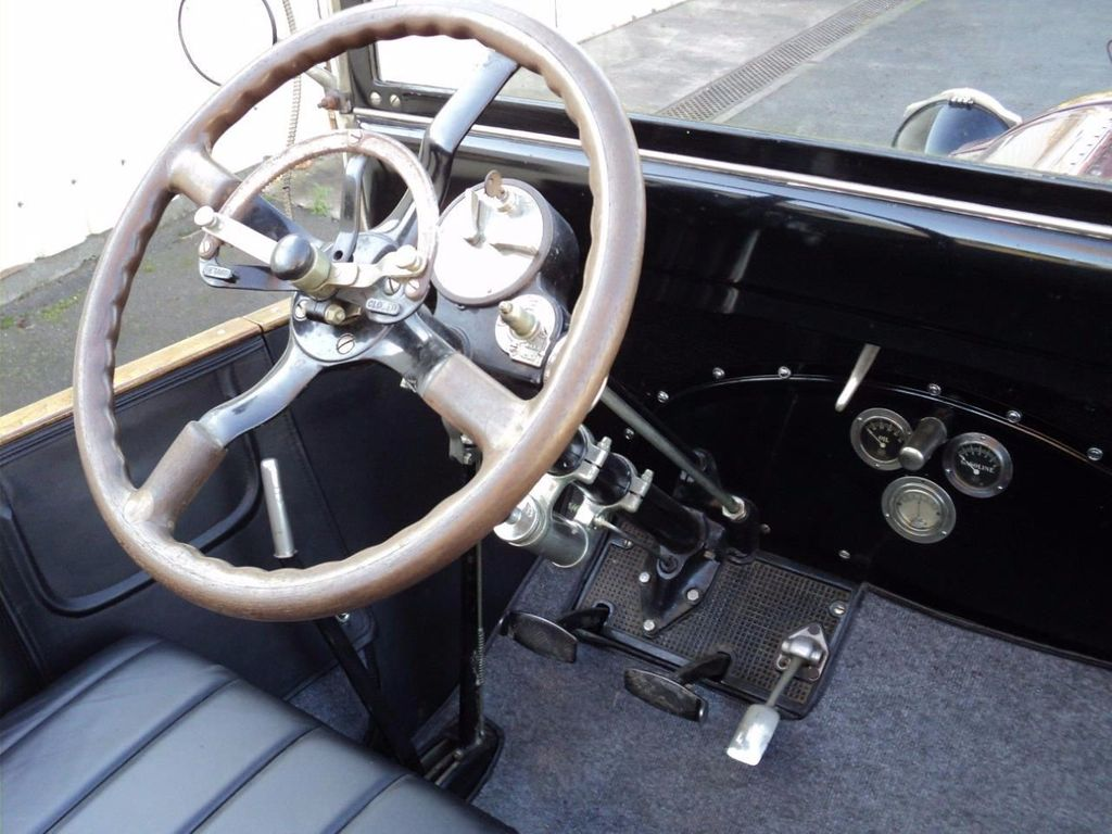 1917 Packard Twin Six Cabriolet Boattail For Sale - 16498132 - 15
