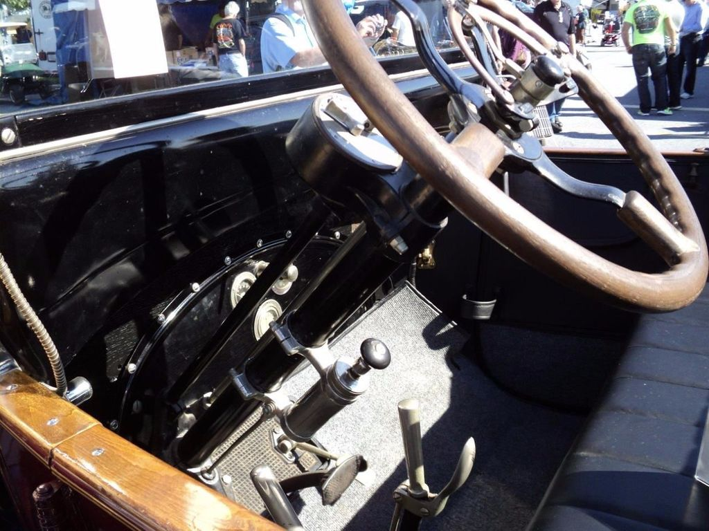1917 Packard Twin Six Cabriolet Boattail For Sale - 16498132 - 16