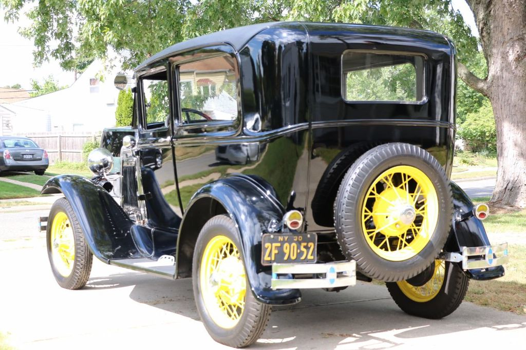 1930 Ford Model A Touring  Sedan - 16880579 - 3