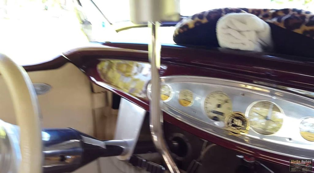 1932 Ford Model A Roadster - 14266823 - 11