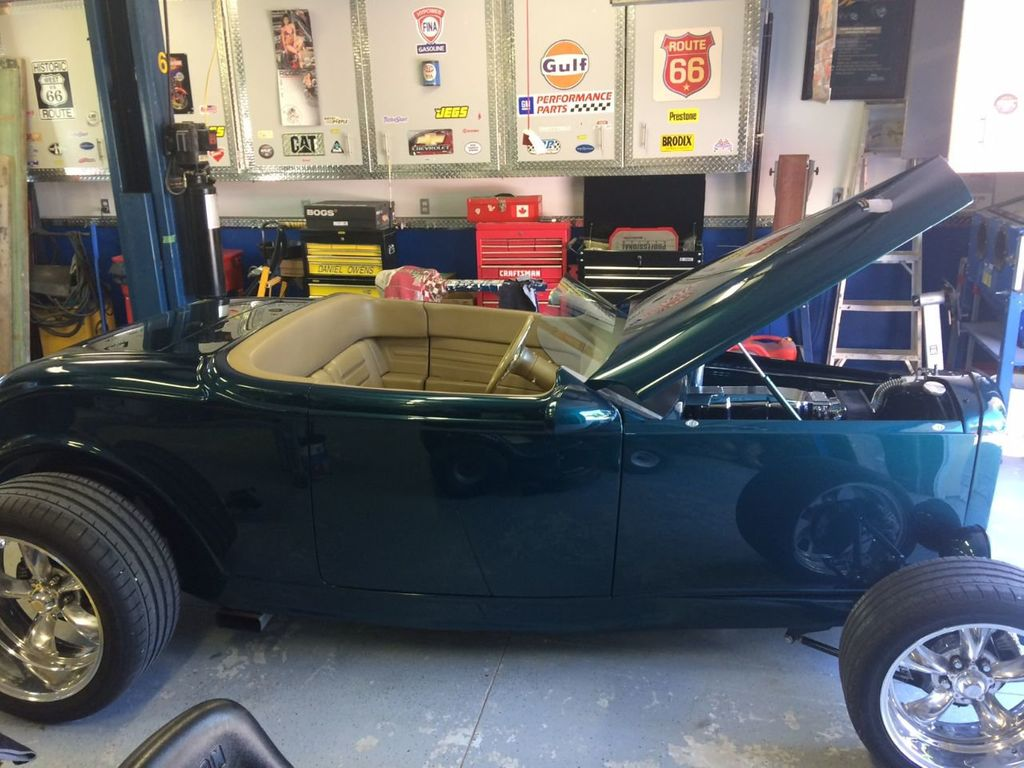 1932 Ford Roadster For Sale - 17943352 - 10