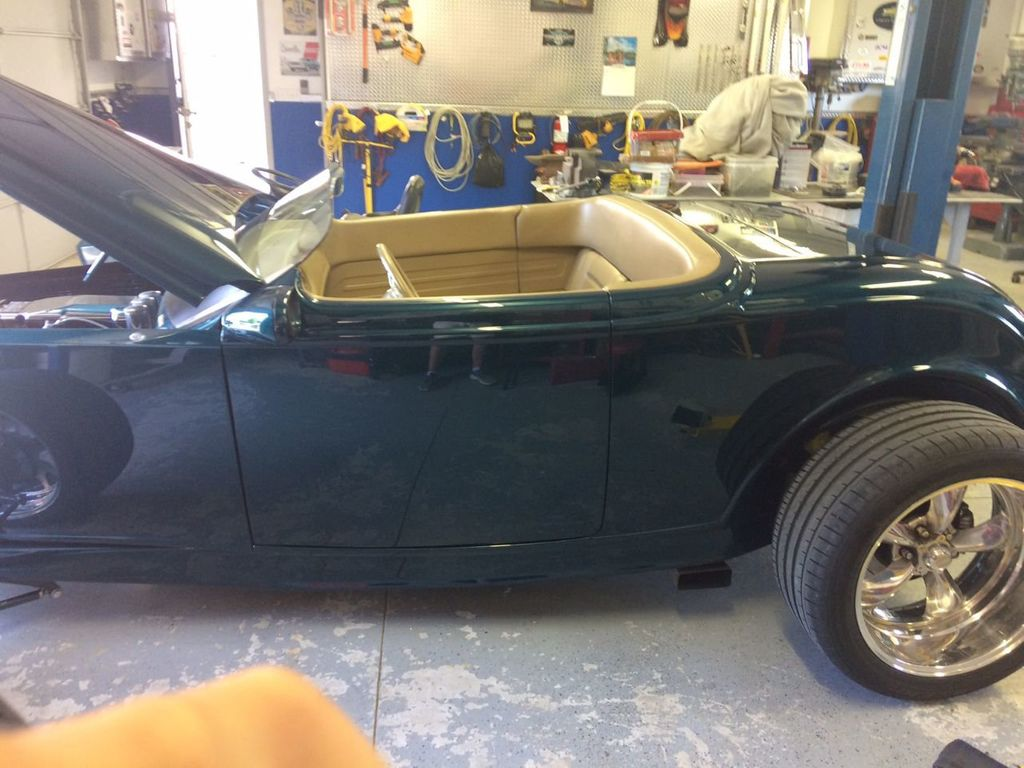 1932 Ford Roadster For Sale - 17943352 - 12
