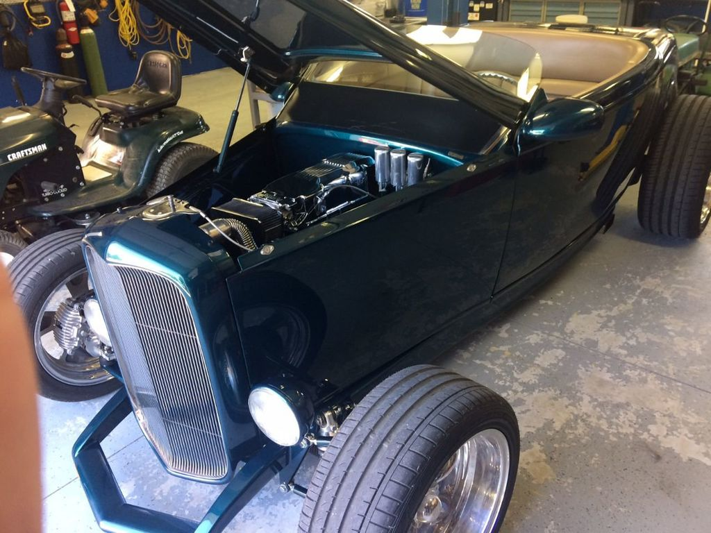 1932 Ford Roadster For Sale - 17943352 - 20