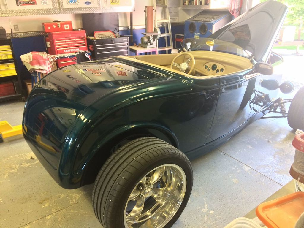 1932 Ford Roadster For Sale - 17943352 - 8