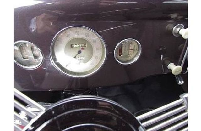 1935 Ford Model 48 Tudor - 17784998 - 9