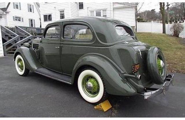 1935 Ford Model 48 Tudor - 17784998 - 1