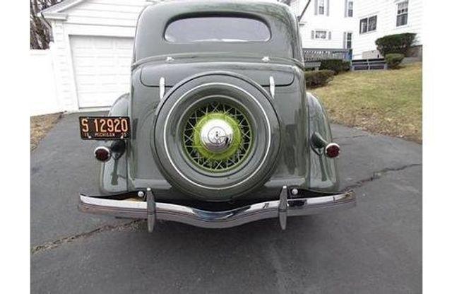 1935 Ford Model 48 Tudor - 17784998 - 2