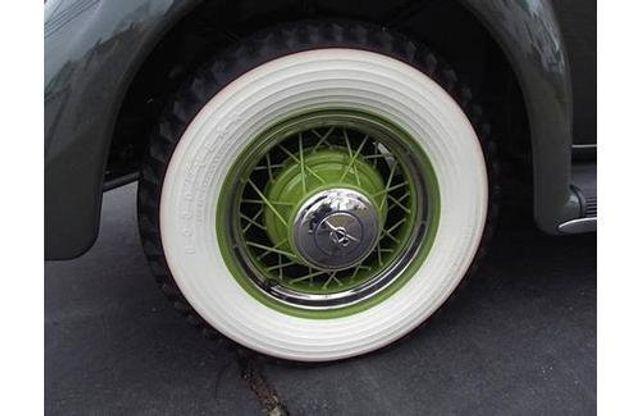 1935 Ford Model 48 Tudor - 17784998 - 5