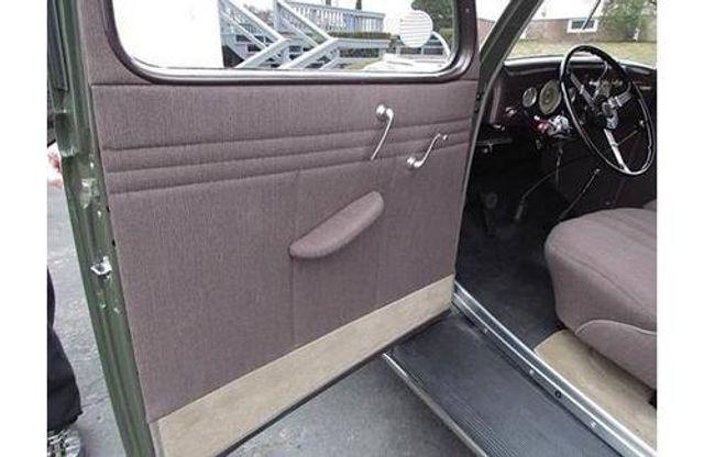 1935 Ford Model 48 Tudor - 17784998 - 7