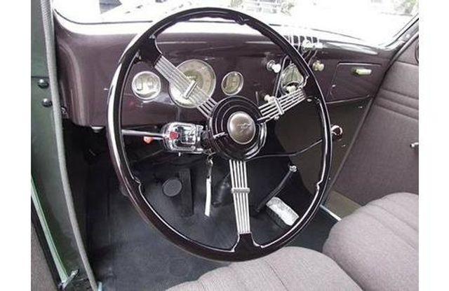 1935 Ford Model 48 Tudor - 17784998 - 8