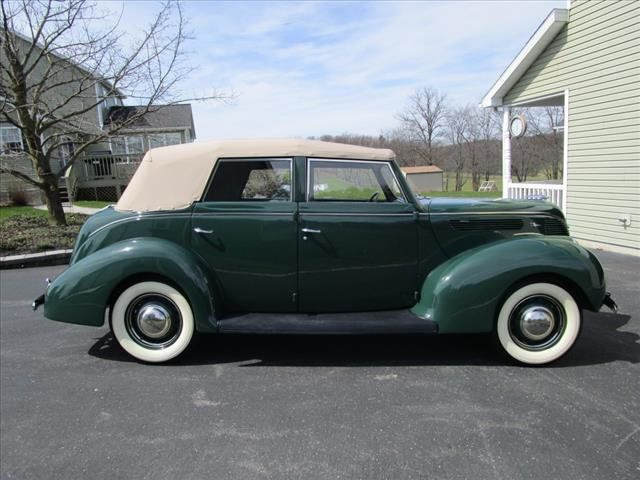 1938 Ford Deluxe For Sale - 16639385 - 6