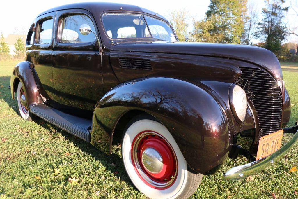 1939 Ford Deluxe Sedan - 17043978 - 14