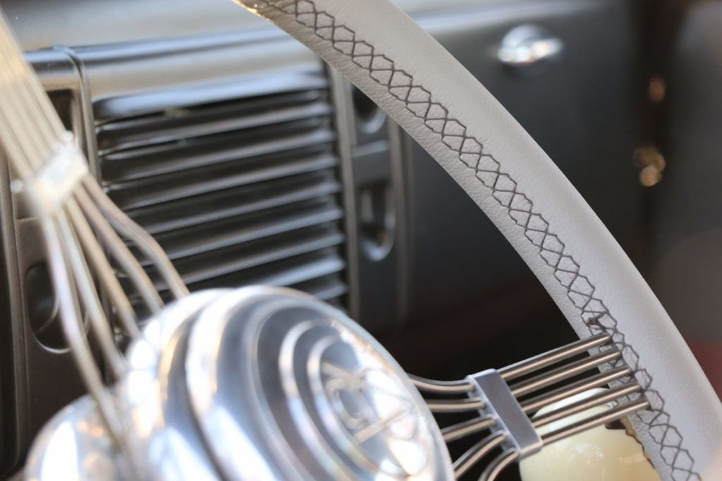 1939 Ford Deluxe Sedan - 17043978 - 41