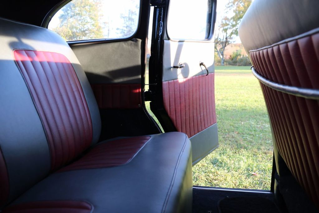 1939 Ford Deluxe Sedan - 17043978 - 60