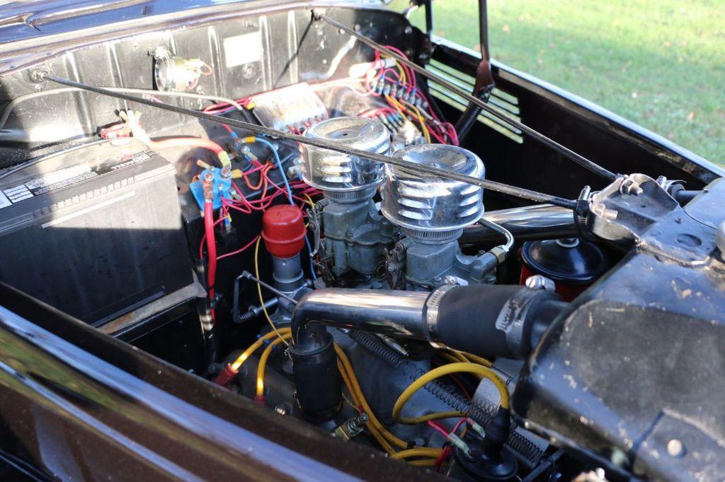 1939 Ford Deluxe Sedan - 17043978 - 64