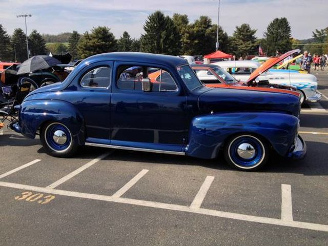 1948 Ford Hot-Rod Coupe Deluxe For Sale - 15887041 - 0