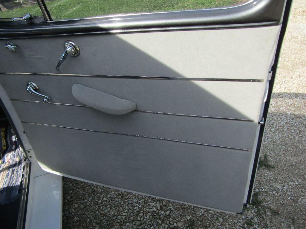 1948 Ford Sedan  - 16589501 - 26