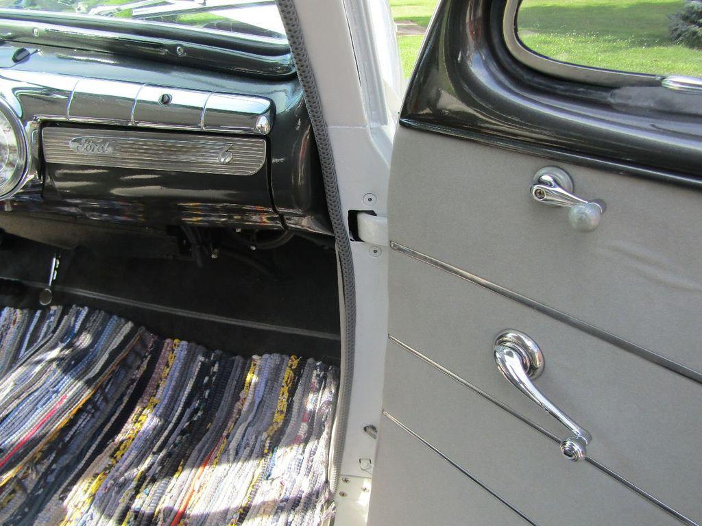 1948 Ford Sedan  - 16589501 - 28