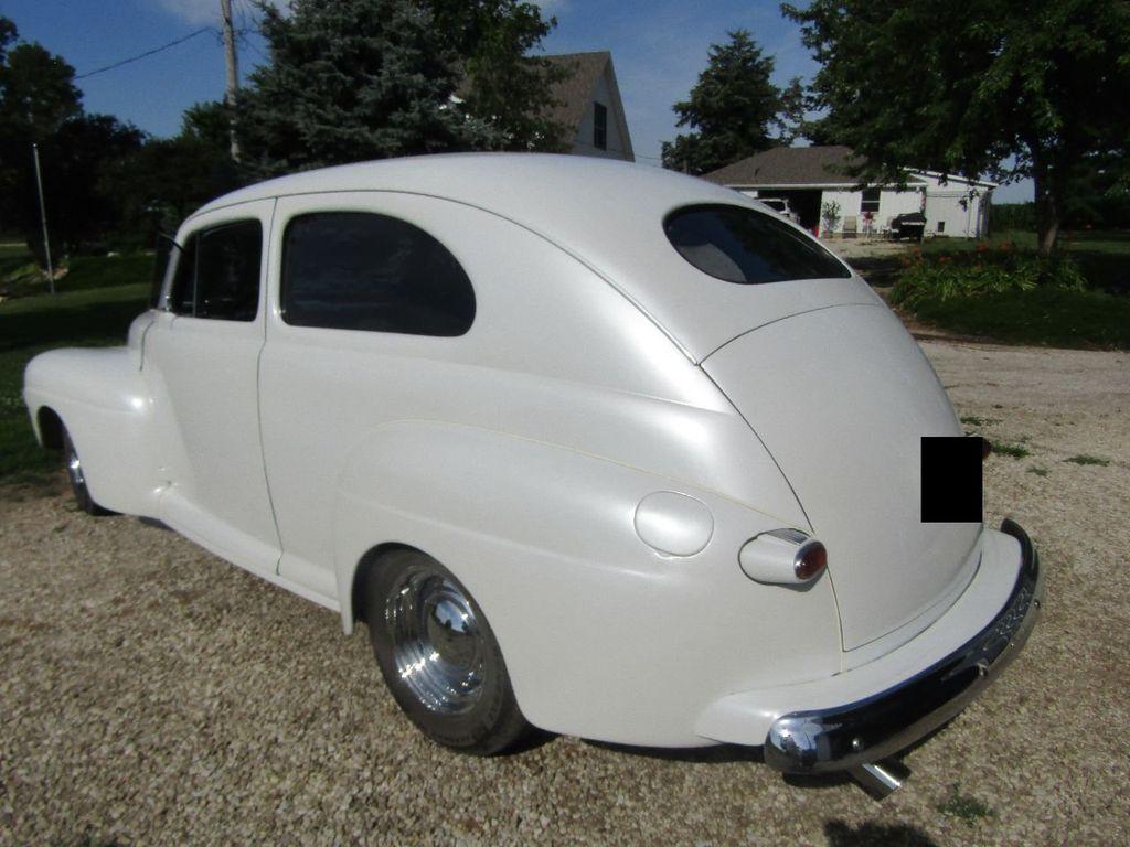 1948 Ford Sedan  - 16589501 - 2
