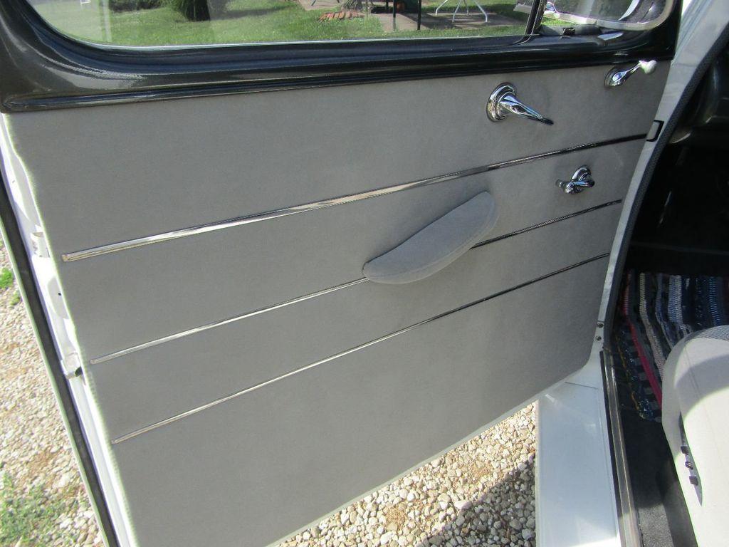 1948 Ford Sedan  - 16589501 - 34