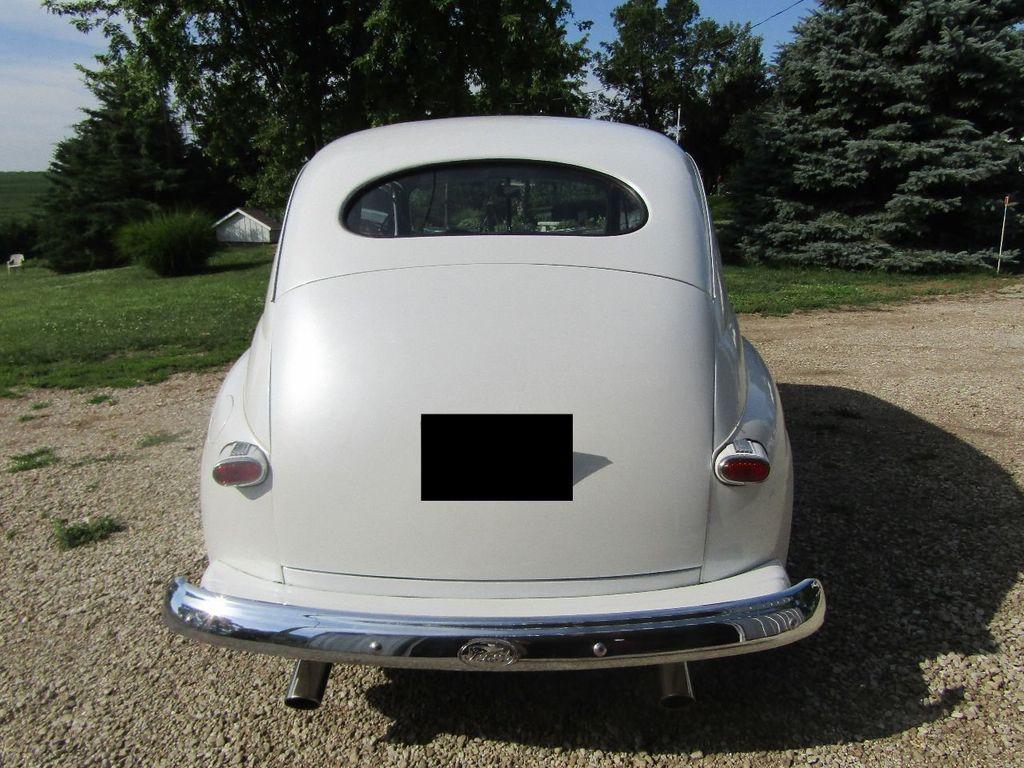 1948 Ford Sedan  - 16589501 - 3