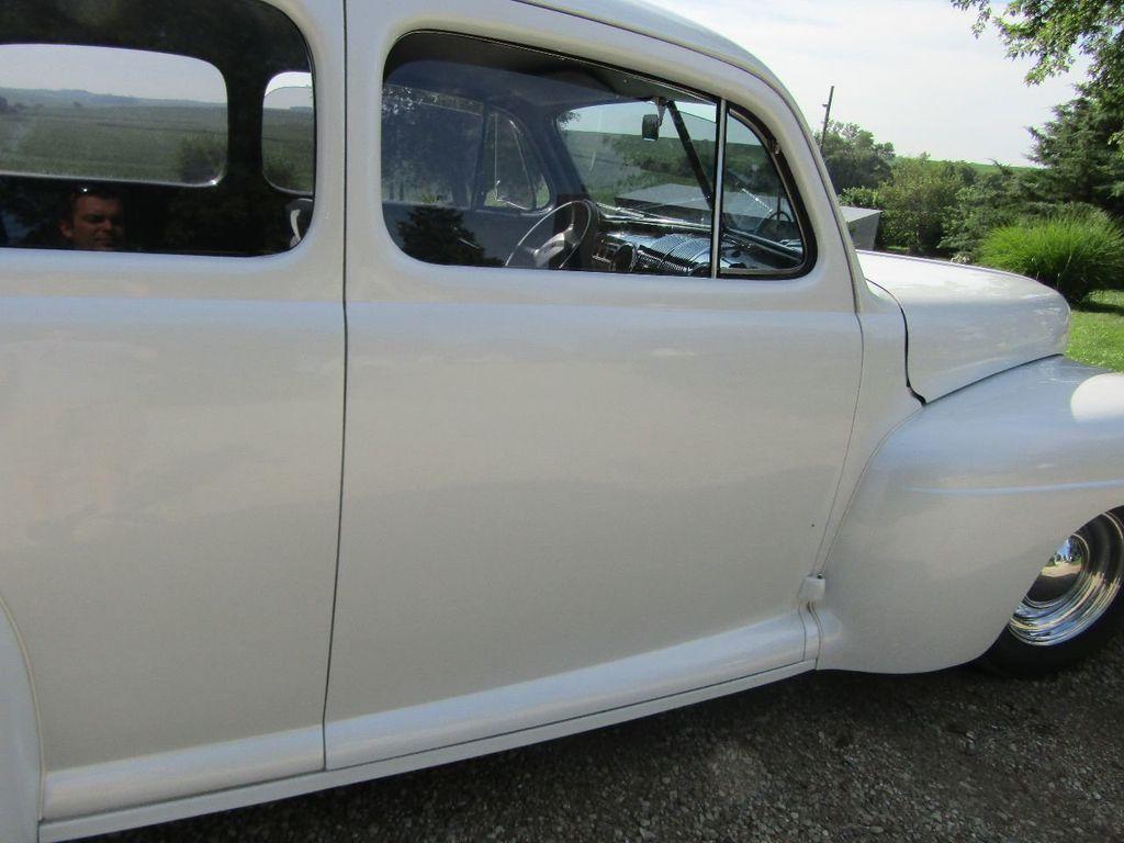 1948 Ford Sedan  - 16589501 - 44