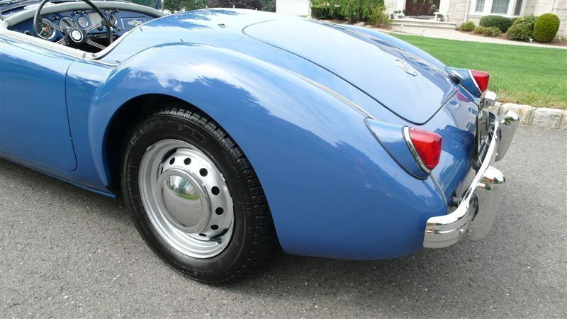 1957 MG MGA RESTORED - 7611616 - 23