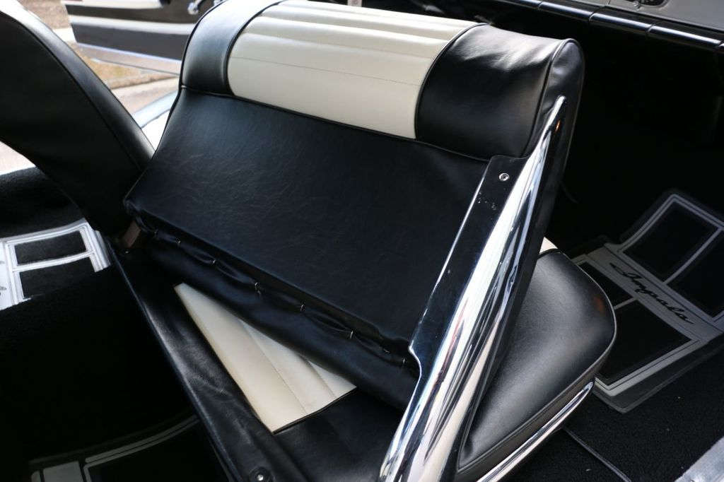 1958 Chevrolet Impala Tri-Power - 18406300 - 85