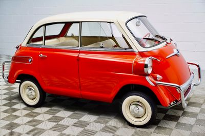 1959 BMW Isetta 600 Microcar - Click to see full-size photo viewer