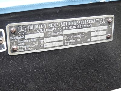 1960 Mercedes-Benz 190 SL  - Click to see full-size photo viewer