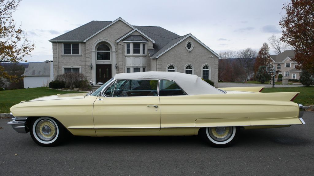 1962 Cadillac SERIES 62 RESTORED - 9699949 - 1