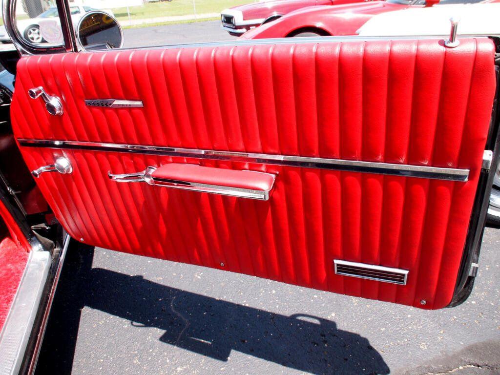 1962 Pontiac Grand Prix  - 16438766 - 28